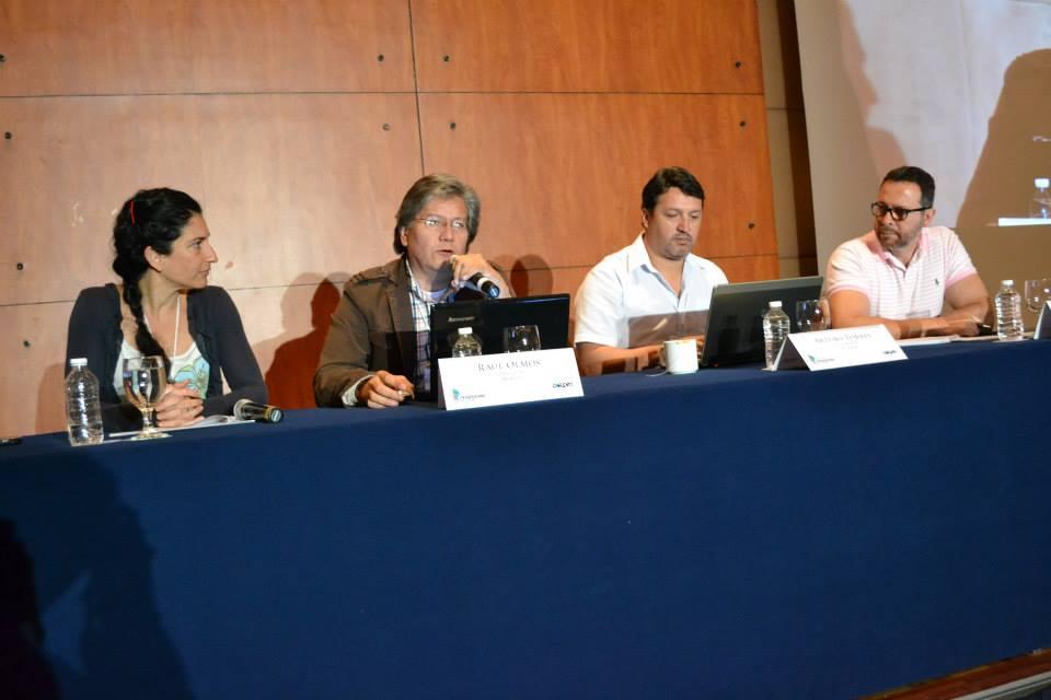 Adriana León, Raul olmos, Arturo Torres y Germán Jiménez en la mesa sobre Fraudes Financieros.